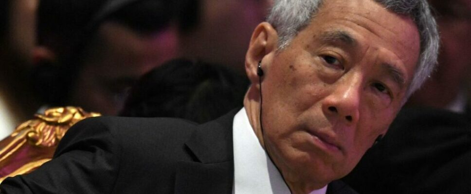 Why are Singapore's first family feuding?