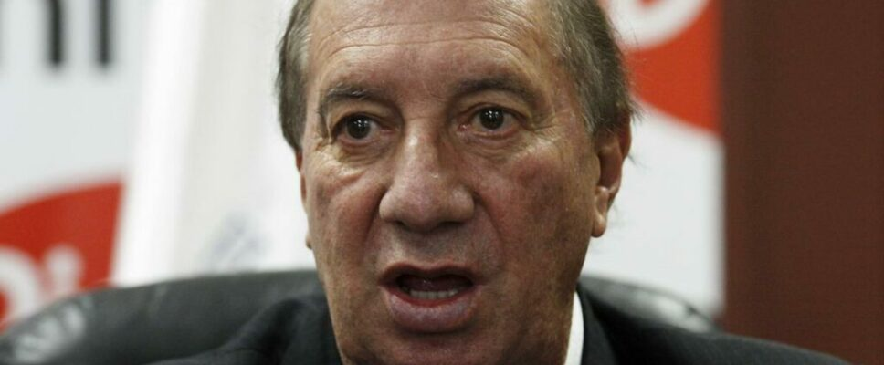 Former Argentina coach Bilardo tests positive for coronavirus